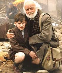 John Thaw (Tom) and Nick Robinson (Willie) in the 1998 movie adaptation of the book. Image: kingsroad.learningspaces.net