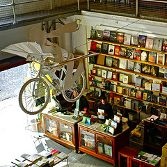 How brilliant is this bookshop? I'm pretty sure anything you'd read in here would seem like the best thing in the history of the world... *resolves to track down said bookshop* Photo Credit: pedrosimoes7 via Compfight cc